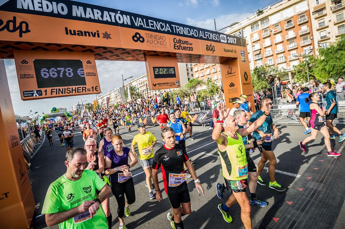 Llegada del medio maratón de Valencia 2017